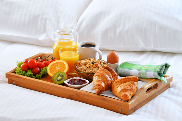 Downia_Summer_Lightweight_Down_Feather_Quilt_Breakfast_In_Bed