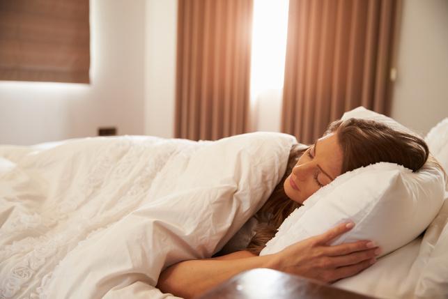 Lady Sleeping Comfortable Quilt Duvet
